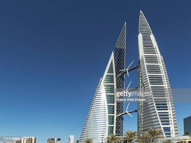 bahrain. manama. bahrain world trade center. - bahrain stock-fotos und bilder