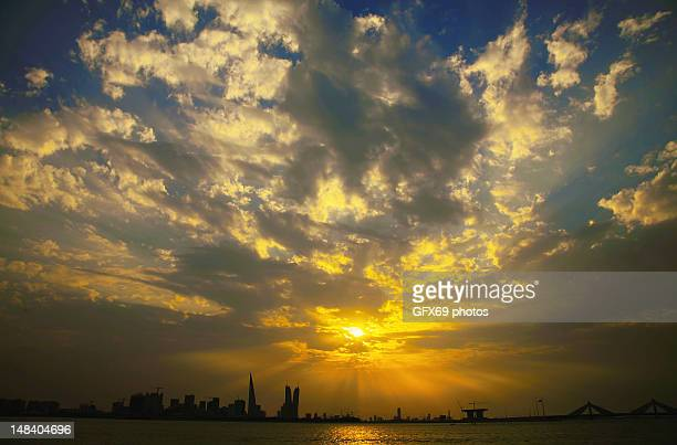 bahrain skyline - manama stock pictures, royalty-free photos & images