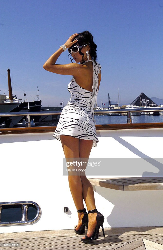 "2006 Cannes Film Festival - ""Shanghai Baby"" - Photocall : News Photo"