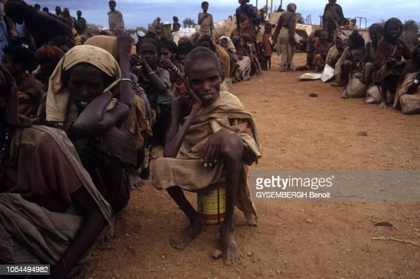 Baidoa Somalie Août 1992 Voyage de Bernard KOUCHNER ministre français de la santé et de l'action humanitaire en SOMALIE où règne une effroyable...