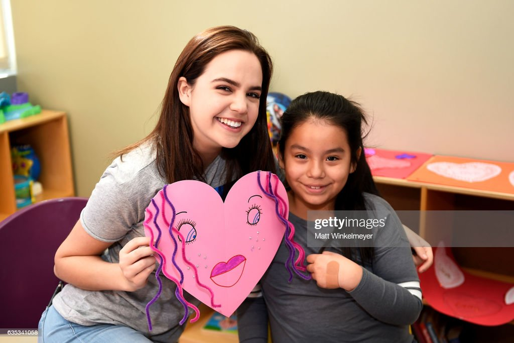 bailee madison interacts with children with starlight childrens foundation on valentines day in la at valley