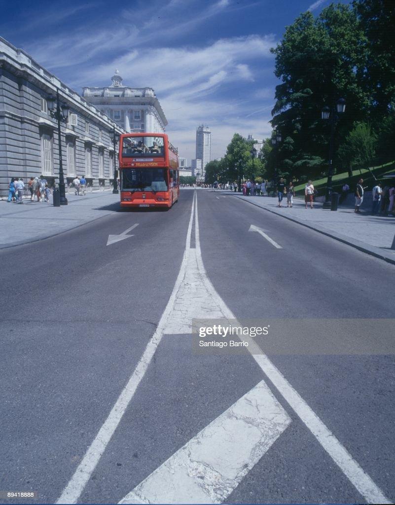 Bailen Street, Madrid. (Spain). Tourist bus. Royal Palace. : News Photo