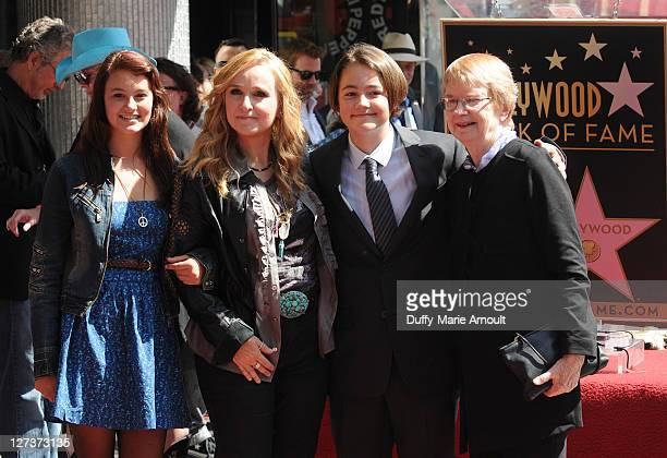 Bailey Cypher Melissa Etheridge Beckett Cypher and Elizabeth Williamson attend Melissa Etheridge's Hollywood Walk of Fame Induction Ceremony on...