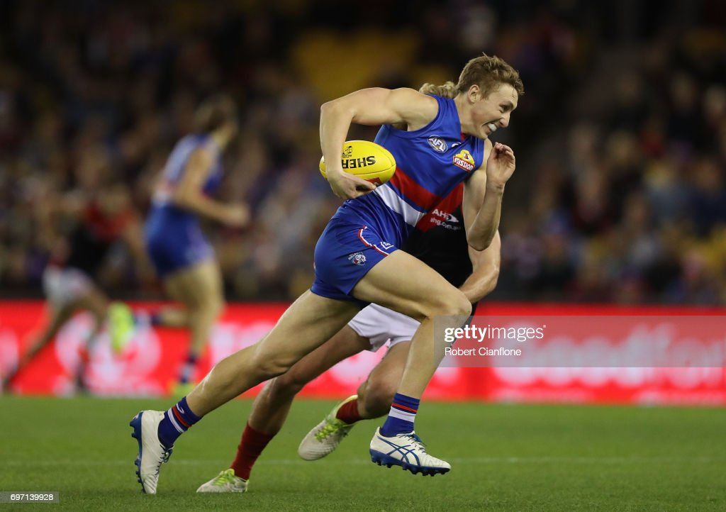 AFL Rd 13 - Western Bulldogs v Melbourne : News Photo