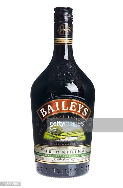 baileys irish cream bottle - liqueur stock pictures, royalty-free photos & images