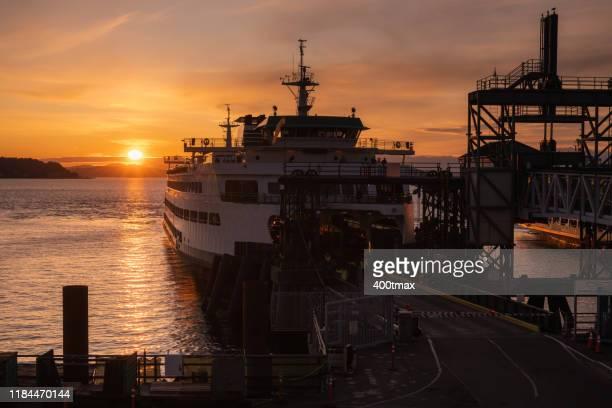 bainbridge ferry - kitsap county washington state stock pictures, royalty-free photos & images