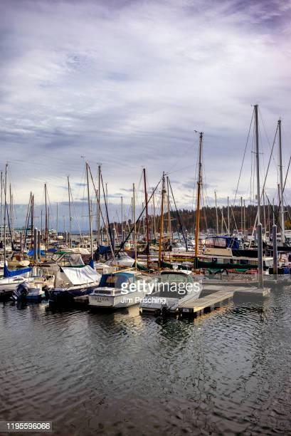 bainbridge island marina - bainbridge island stock pictures, royalty-free photos & images