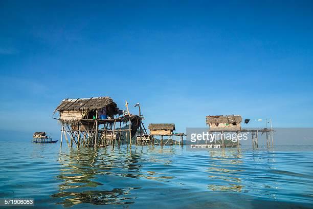 bajau stilt village at semporna, sabah, malaysia - bajau stock pictures, royalty-free photos & images