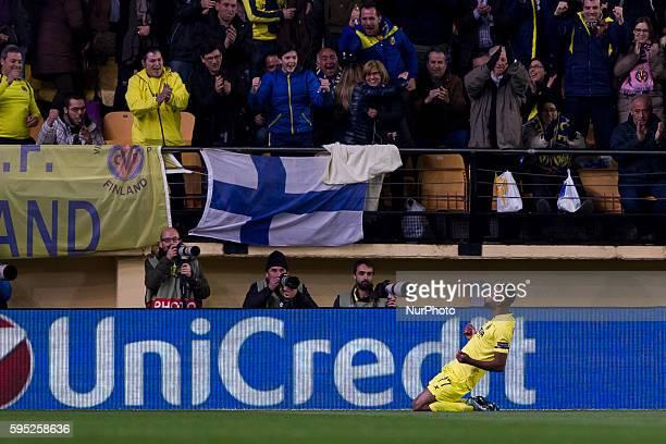 Bakambu del Villarreal CF celebrates his goal during UEFA Europa League Round of 16 first legs match between Villarreal CF and Bayer 04 Leverkusen at...