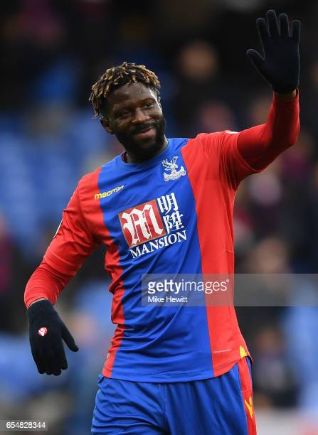 Bakary Sako of Crystal Palace waves to the Crystal Palace fans after the Premier League match between Crystal Palace and Watford at Selhurst Park on...