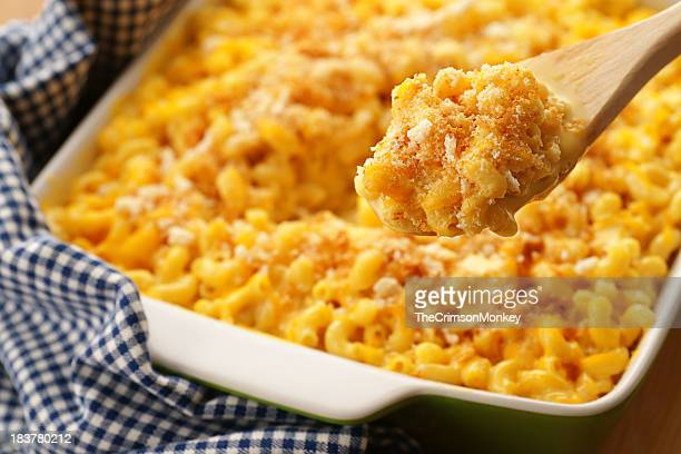 baked macaroni and cheese - serving size stock pictures, royalty-free photos & images