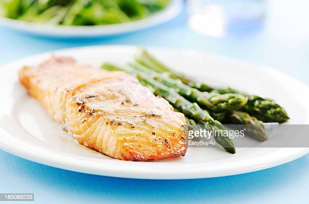 baked salmon and asparagus - fillet stock pictures, royalty-free photos & images