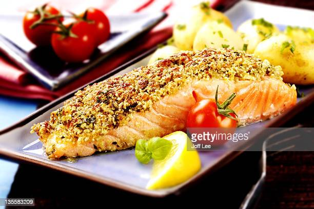 Baked salmon with a pesto crust