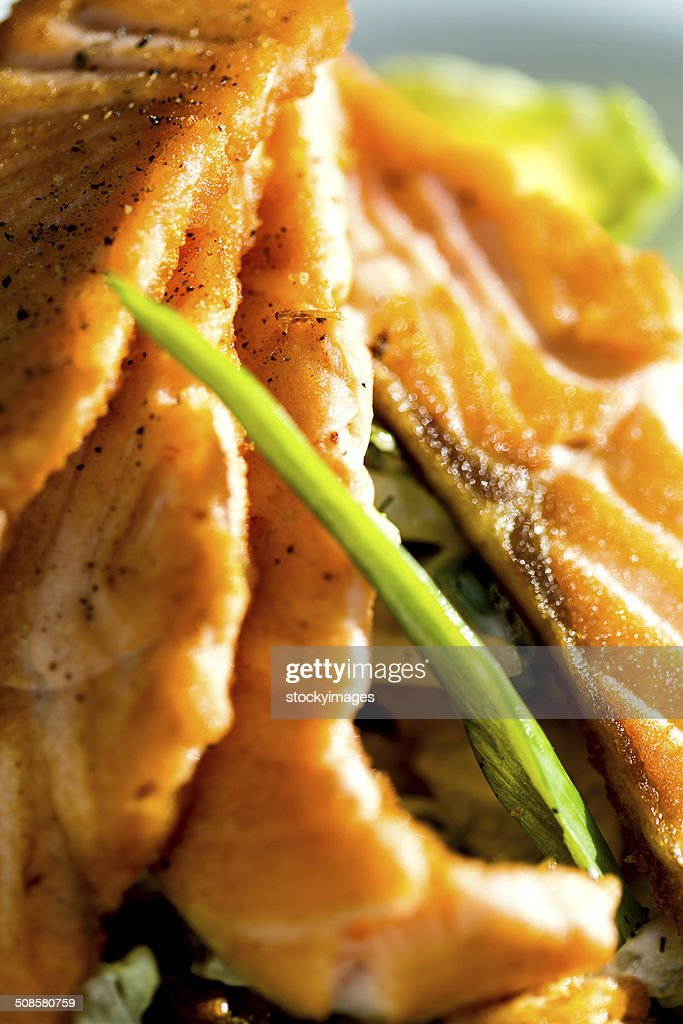 Gebackener Lachs mit Gemüse Abendessen : Stock-Foto