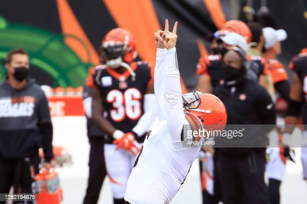 Baker Mayfield of the Cleveland Browns celebrates after throwing the goahead touchdown to Donovan PeoplesJones with 11 seconds remaining during the...