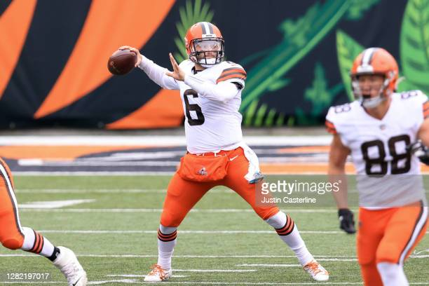 Baker Mayfield of the Cleveland Browns passes the ball in the game against the Cincinnati Bengals during the fourth quarter at Paul Brown Stadium on...