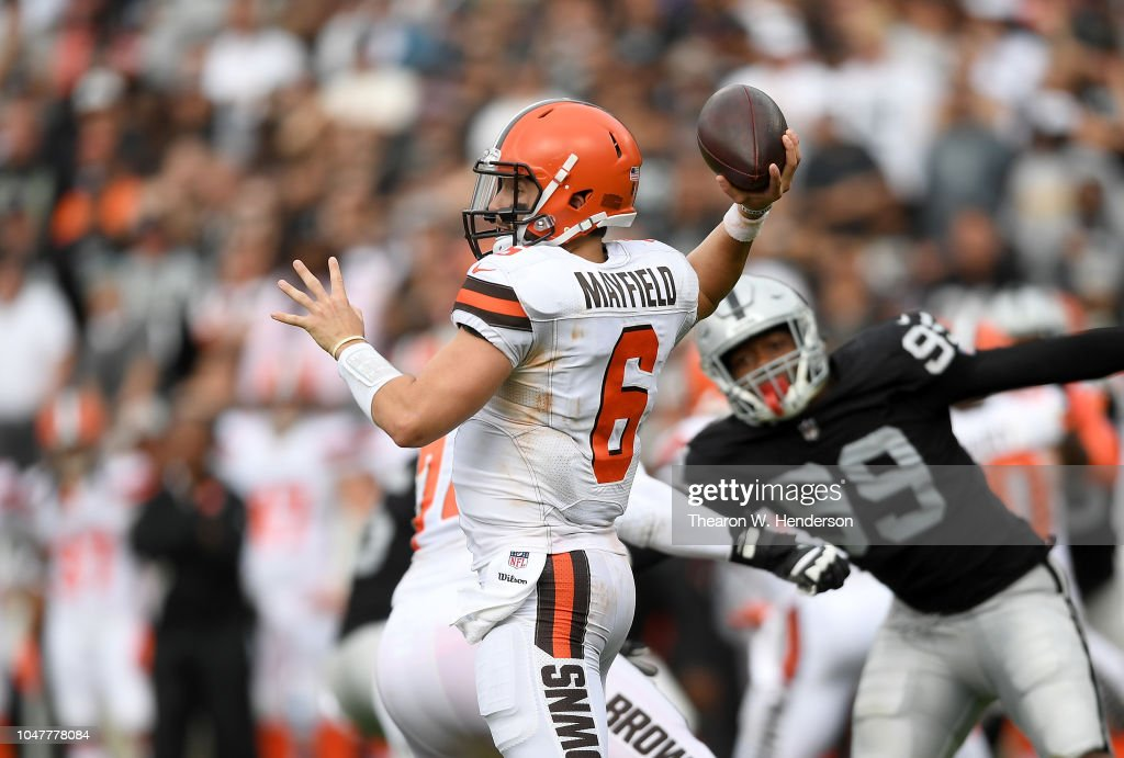 Cleveland Browns v Oakland Raiders : News Photo