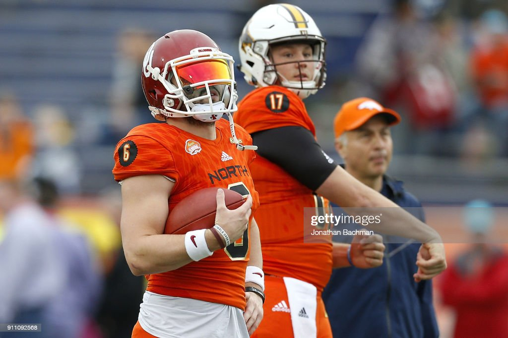 Baker Mayfield #6 of the North team and Josh Allen #17 warm up before the Reese's Senior Bowl at Ladd-Peebles Stadium on January 27, 2018 in Mobile, Alabama.