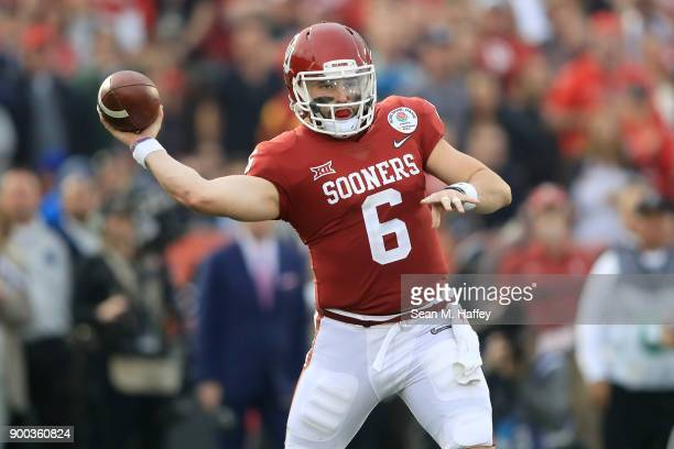 Baker Mayfield of the Oklahoma Sooners throws a pass during the 2018 College Football Playoff Semifinal Game against the Georgia Bulldogs at the Rose...