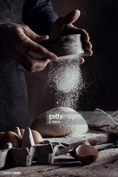 baker - mehl stock-fotos und bilder