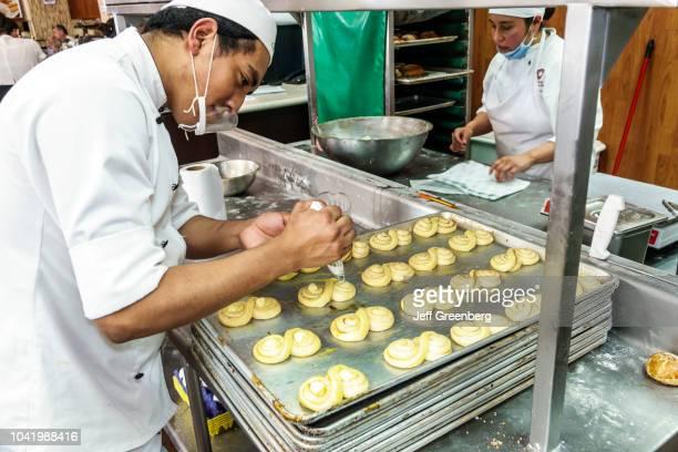 Bakers in the La Casa de los Abuelos restaurant