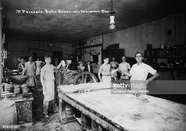 Bakery Workers P Priegel's Bake Shop St Louis Missouri USA 1915