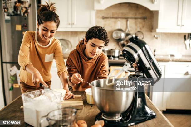 Baking kids