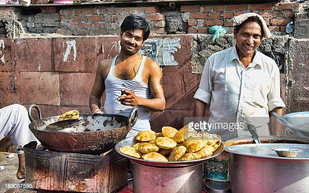 CONTENT] baking on the streets of New Delhi