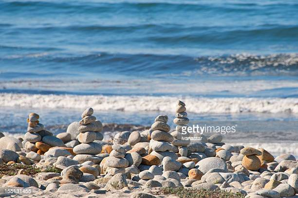 balance stones, cairns - pebble beach california stock pictures, royalty-free photos & images