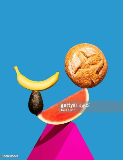 balancing food - gleichgewicht stock-fotos und bilder
