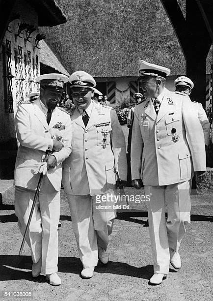 Balbo Italo *05061896Offizier und Politiker I als Gast Hermann Görings auf dessenLandsitz Carinhall in der Schorfheidenordöstlich von Berlin beim...