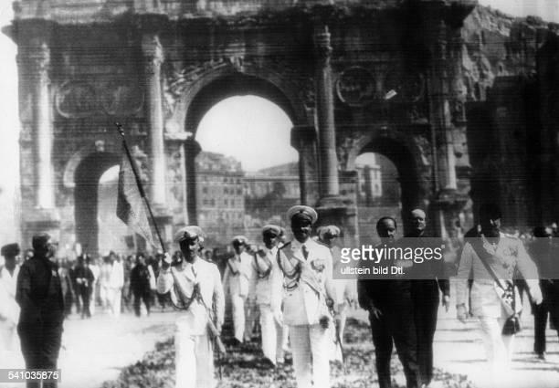 Balbo Italo *05061896Offizier und Politiker IFeierlichkeiten in Rom nach Abschlussdes zweiten unter der Leitung Balbosstehenden Geschwaderfluges über...