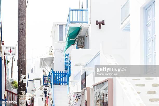 balconies in mykonos - ver a hora stockfoto's en -beelden