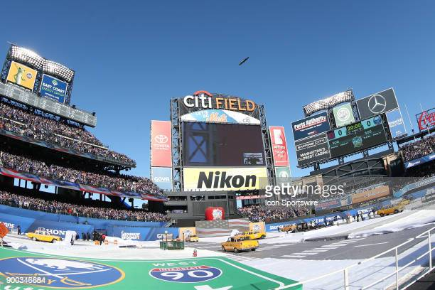 Bald Eagle flies over Citi Field prior to the 2018 Winter Classic between the New York Rangers and the Buffalo Sabres on January 1 at Citi Field in...
