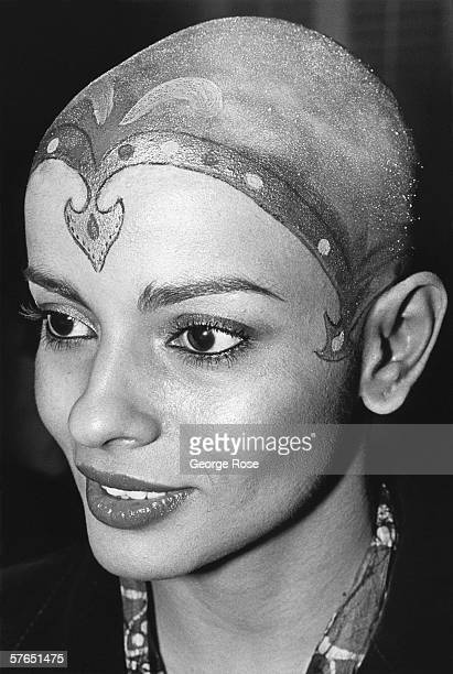 Bald Indian actress and star of the original Star Trek The Movie Persis Khambatta sports a henna head tatoo on the red carpet of the movie's 1979...