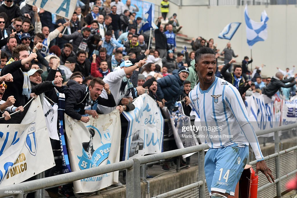 Balde Keita # 14 of SS Lazio celebrates after the opening goal scored by his team mate Felipe Anderson # 7 of SS Lazio (not seen) during the Serie A match between US Sassuolo Calcio and SS Lazio on March 1, 2015 in Reggio nell'Emilia, Italy.