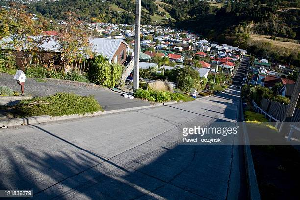 baldwin street, the steepest street in the world, dunedin, new zealand. - dunedin new zealand stock pictures, royalty-free photos & images