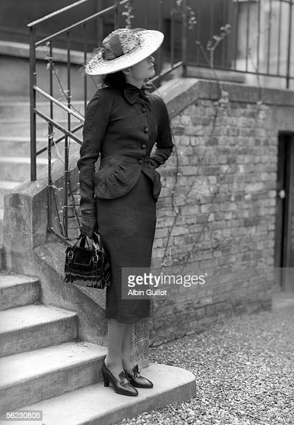 Balenciaga's suit. France, 1938. RV-25968.