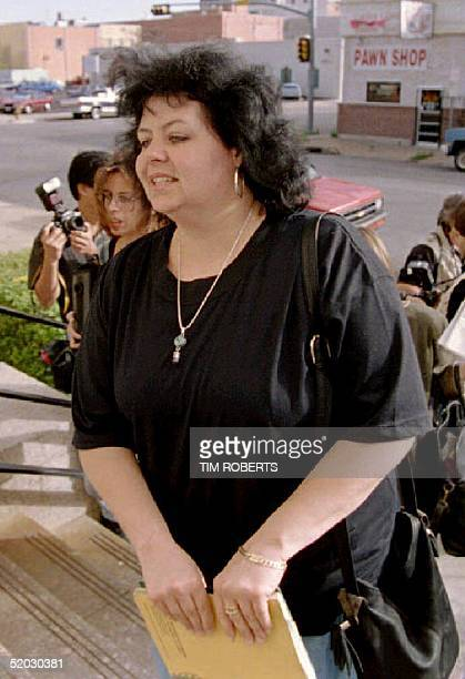 WACO TX APRIL 20 Balenda Ganem mother of Branch Davidian cult member David Thibodeau arrives at federal court in Texas 20 April 1993 for her son's...