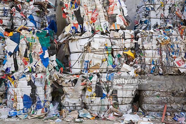 Fardos habrán de tener materiales reciclables en un centro de clasificación