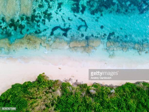 bali - plage d'en haut. droit drone abattu - bali photos et images de collection