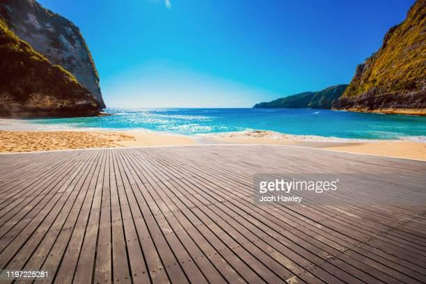 bali beach - molo foto e immagini stock