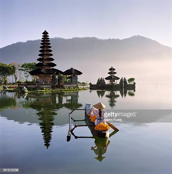 bali, pura ulun danu bratan temple - bali stock pictures, royalty-free photos & images