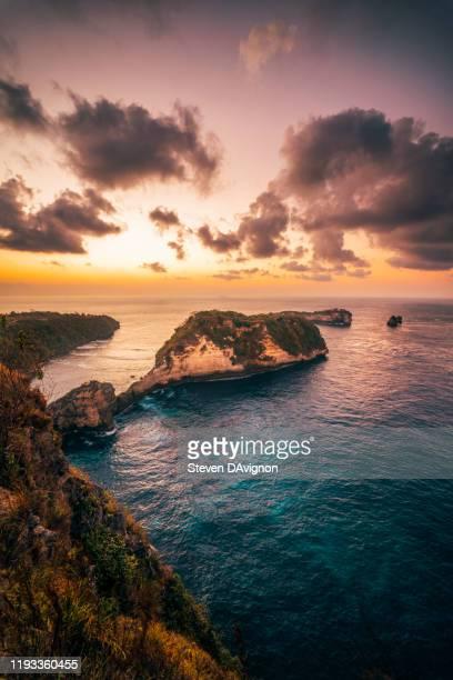 bali sunrise - meerlandschaft stock-fotos und bilder
