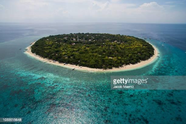 balicasag island, bohol, philippines - paisajes de filipinas fotografías e imágenes de stock