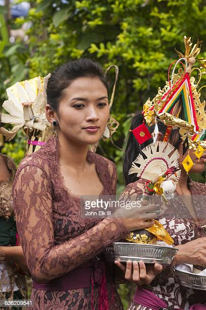 Balinese cremation ceremony, people w offerings
