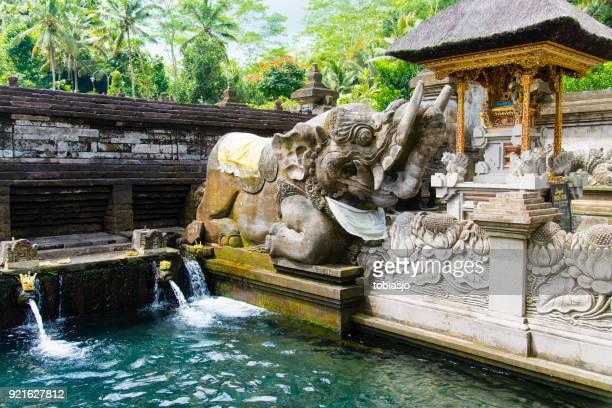 balinese hindu temple tirta empul, bali, indonesia - pura tirta empul temple stock pictures, royalty-free photos & images