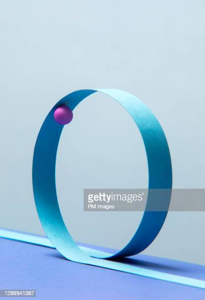 ball on a loop - continuity stock pictures, royalty-free photos & images