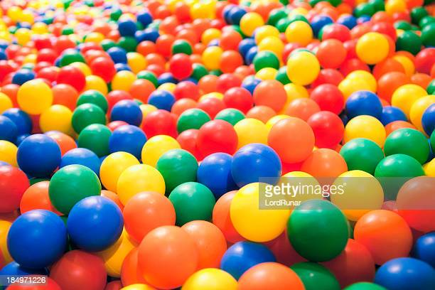 ball pool - spielball stock-fotos und bilder