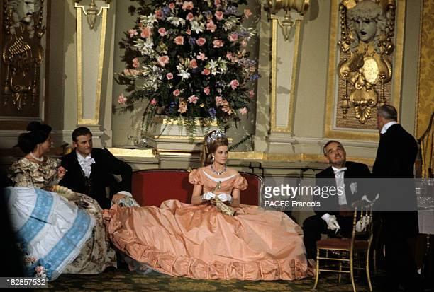 Ball 'Second Empire' In Monaco A Monaco en mai 1966 lors du bal du 'second Empire' pour le centenaire du Rocher Grace KELLY princesse de Monaco...